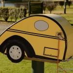 Boîte aux lettres en forme de voiture